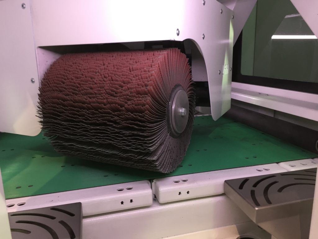 F600 SR von Q-Fin - Kantenverrundung bis 600 mm Arbeitsbreite